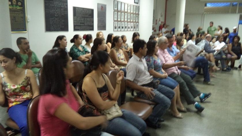 Servidores na assembleia, na qual votaram pela rejeição da proposta de reajuste baseado apenas no INPC