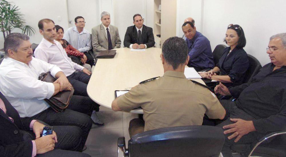 reuniao para aumento do efetivo policial (2)