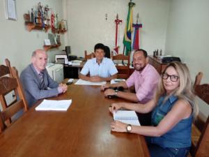 Vicente, Eugênio, Natanael e Evangelina na ocasião em que os representantes do Sintramfor solicitaram a correção no Projeto