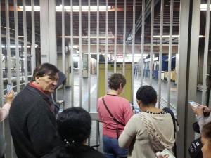 São Paulo - Usuários na entrada da estação Tucuruvi do Metrô de SP - Foto Tatiana Santiago G1